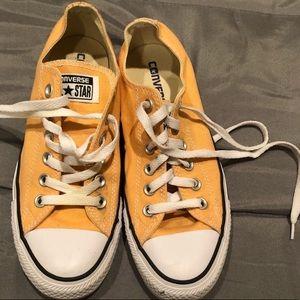 Orange Converse 🧡